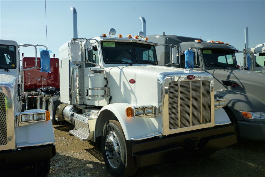 Peterbilt 367 Set Forward Axle